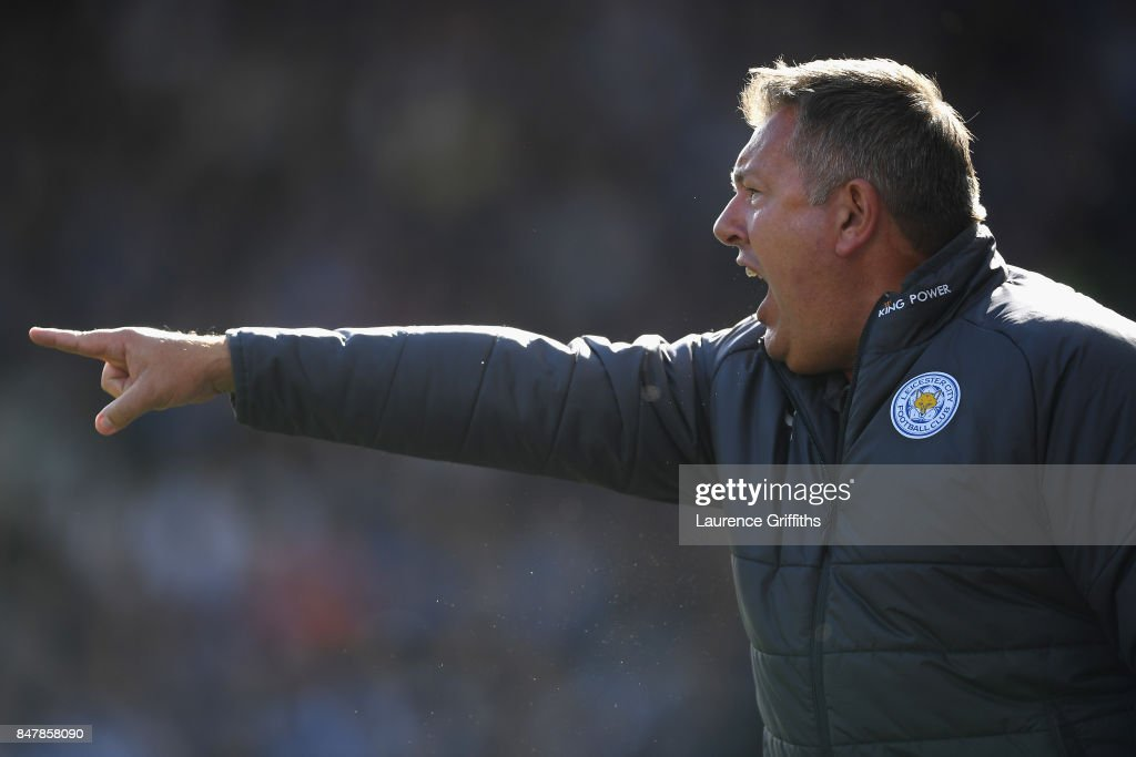 Craig Shakespeare, manager of Leicester City gives his team instructions during the Premier League match between Huddersfield Town and Leicester City at John Smith's Stadium on September 16, 2017 in Huddersfield, England.
