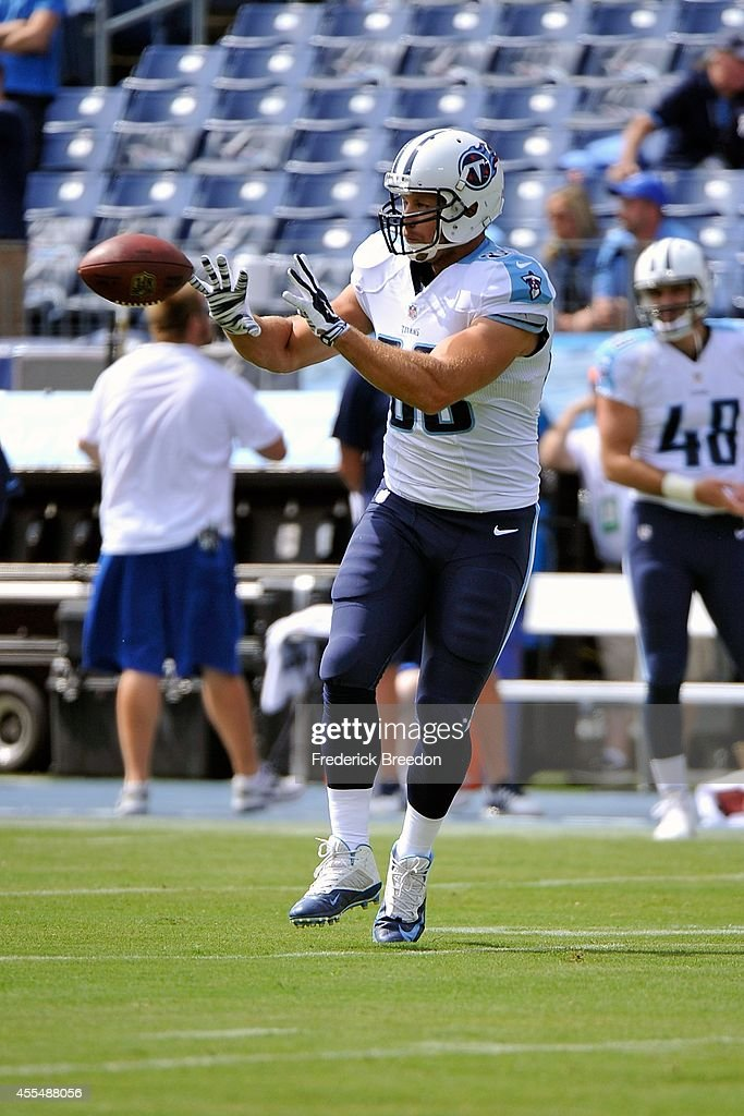 Craig Stevens #88 of the Tennessee Titans warms up prior to a game against the Dallas Cowboys at LP Field on September 14, 2014 in Nashville, Tennessee.