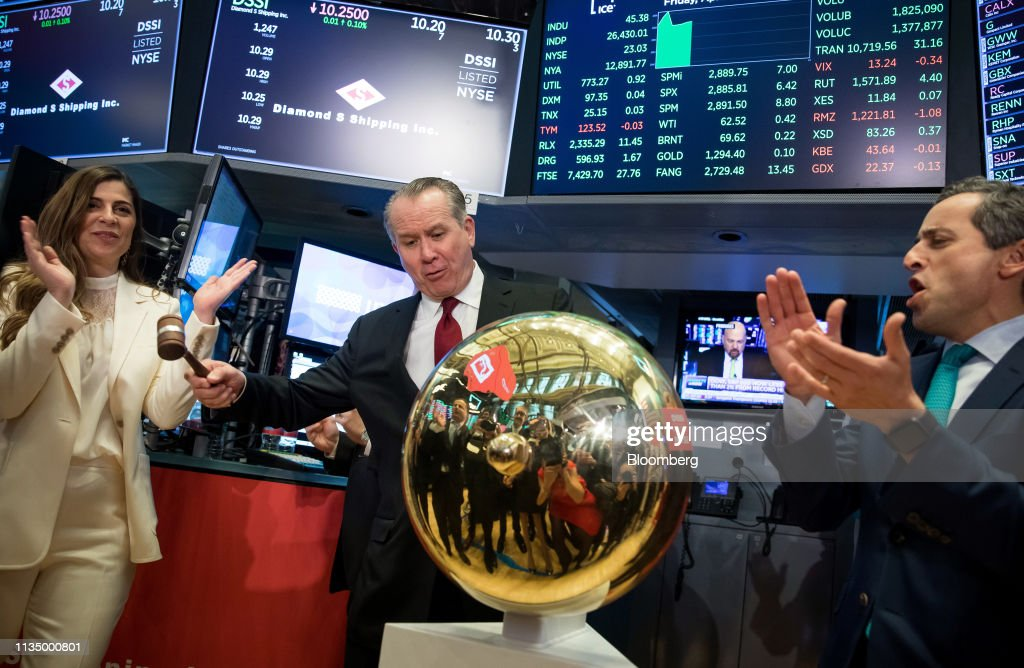 Trading On The Floor Of The NYSE As Stocks Rally on Jobs Growth : News Photo