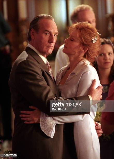 Craig T Nelson and Jean Smart film of scene from CBS's The District