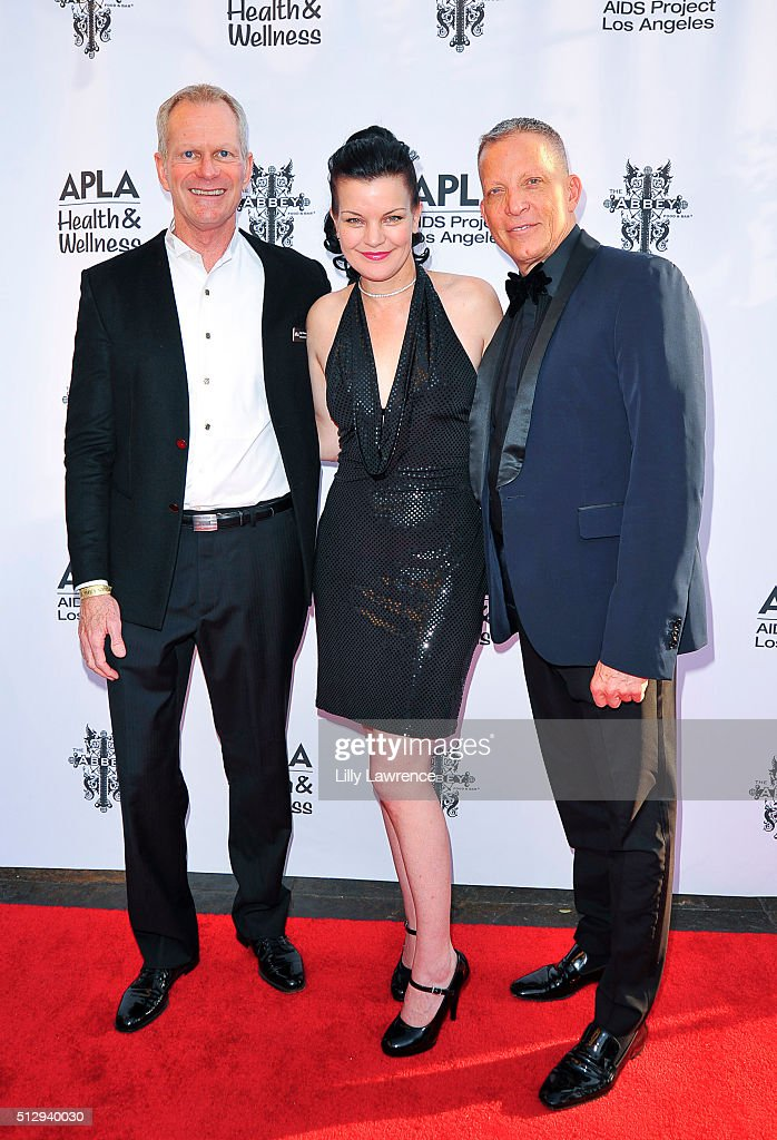 Craig Thompson of APLA, Pauley Perrette and, owner of The Abbey, David Cooley attend The Abbey Food And Bar's 15th Annual 'The Envelope Please' Oscar viewing party at The Abbey on February 28, 2016 in West Hollywood, California.
