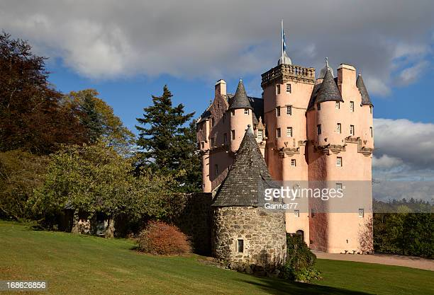 craigievar castle, scotland - castle stock pictures, royalty-free photos & images