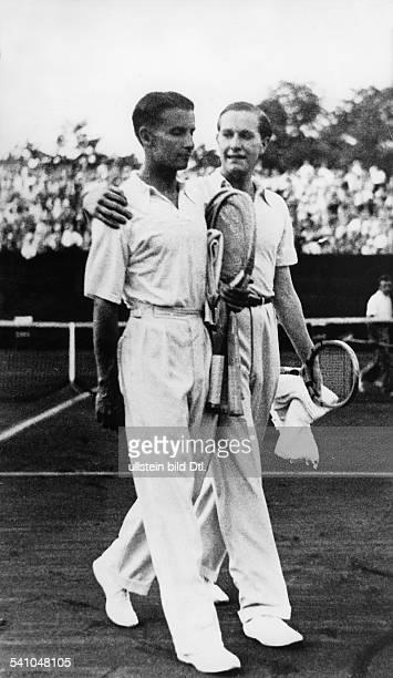 Cramm Gottfried von *Unternehmer Sportler Tennis 'Tennisbaron' D nach dem Sieg gegen Austin im DavisCup 1932Veroeffentlicht BMp