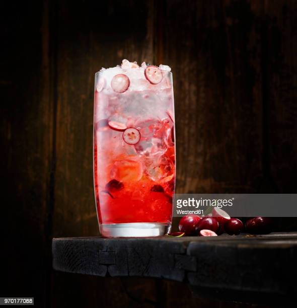 cranberry wodka - vodka stock pictures, royalty-free photos & images
