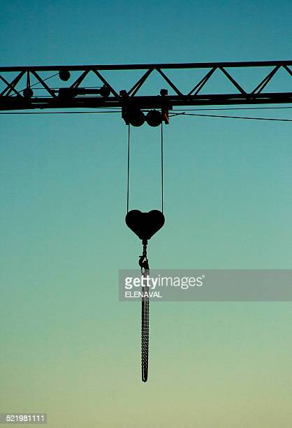 Crane jib with heart shaped pulley