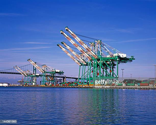 cranes at the port of los angeles - port of los angeles stock pictures, royalty-free photos & images