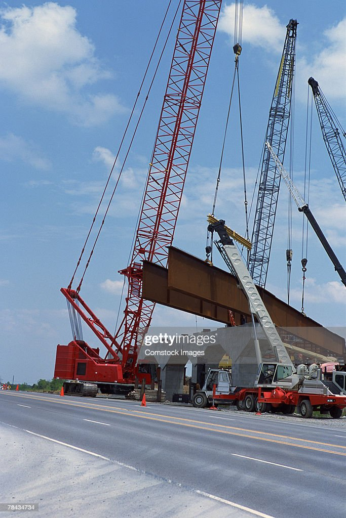 Cranes building overpass : Stockfoto