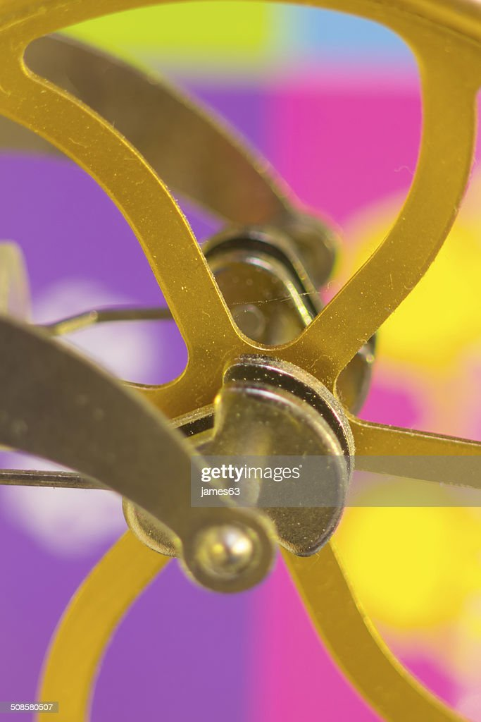 crank shafts and pulleys of machinery in bronze wheels : Bildbanksbilder