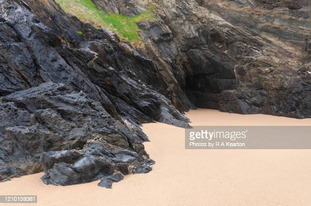crantock beach, newquay, cornwall, england - geology stock pictures, royalty-free photos & images