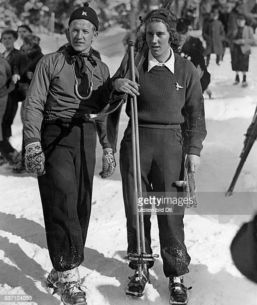 Cranz Christl Sportlerin Ski Alpin D Olympische Winterspiele Garmisch neben Birger Ruud Februar 1936 Foto Schirner