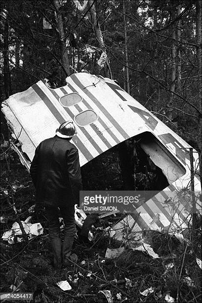Crash of a DC 10 into a forest at Ermenonville France On March 03 1974 Among the victims were 200 passengers many of them British who had been...