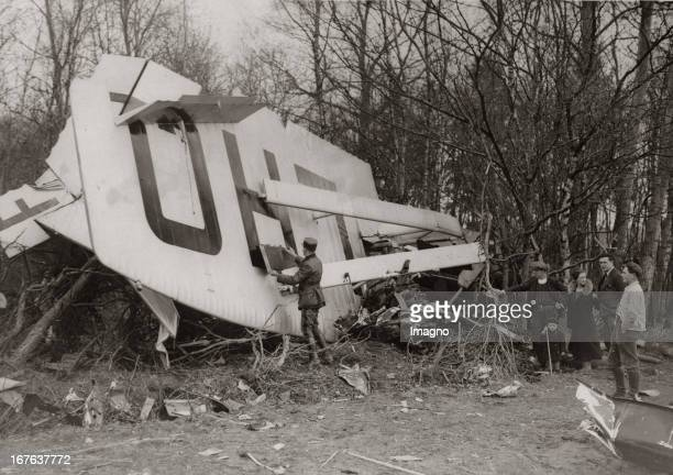 Crash of the chief pilot of the Air France near Beauvais April 1935 Photograph Absturz des Chefpiloten der Air France in der Nähe von Beauvais April...