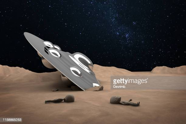 crashed ufo and dead aliens - roswell stock pictures, royalty-free photos & images