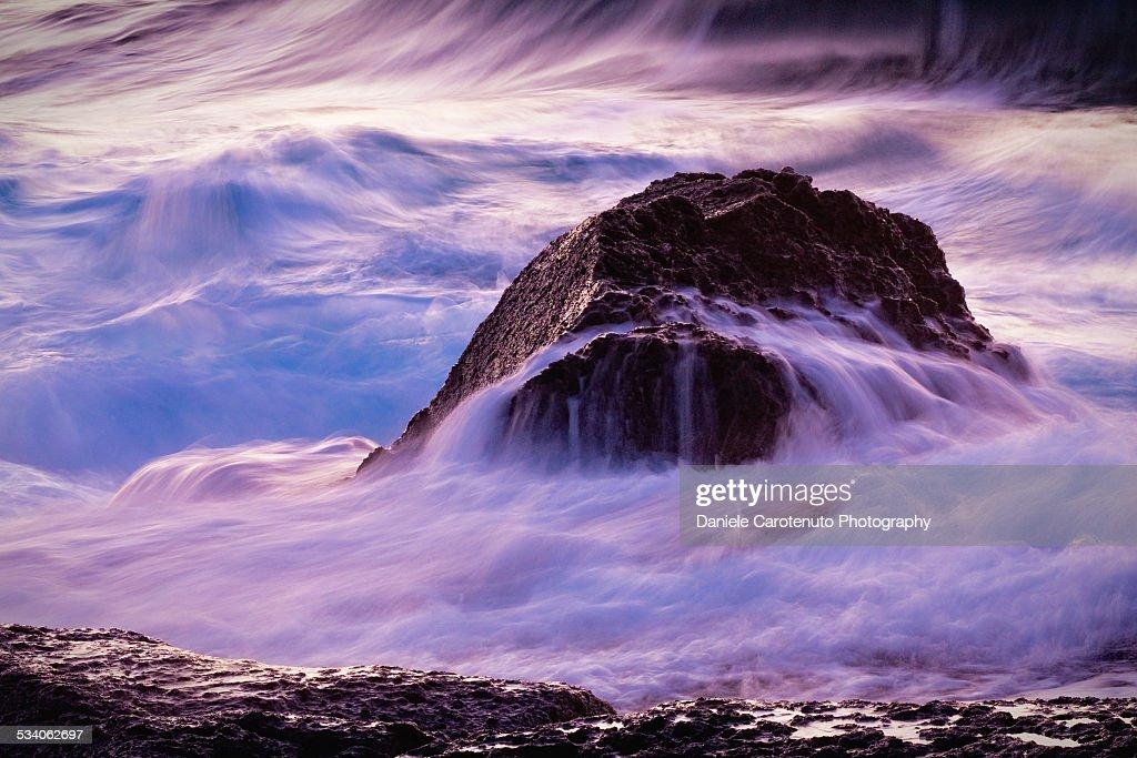 Crashing waves : Stock Photo