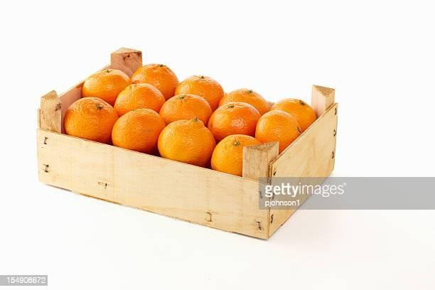 crate of oranges - holzkiste stock-fotos und bilder