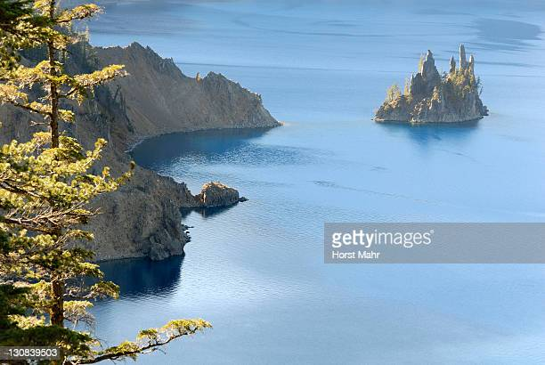 Crater Lake, shore and small island Phantom Ship, Crater Lake National Park, Oregon, USA