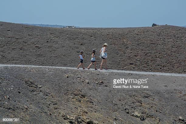 crater of the volcano - paisaje volcánico fotografías e imágenes de stock