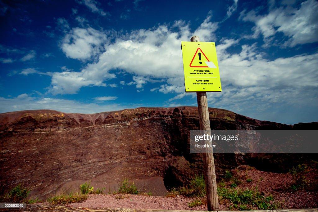 Crater of Vesuvius volcano : Bildbanksbilder