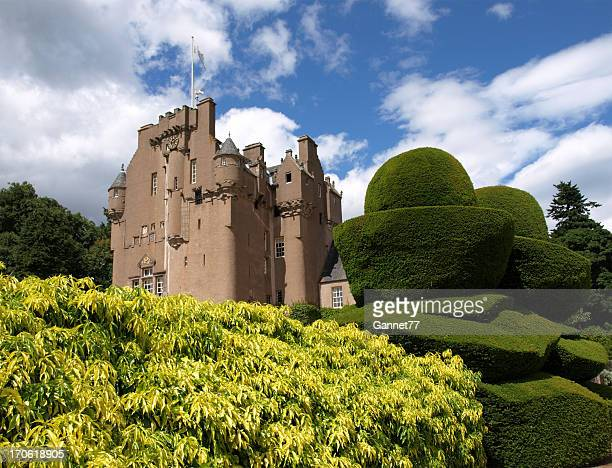 crathes castle, scotland - aberdeenshire stock pictures, royalty-free photos & images