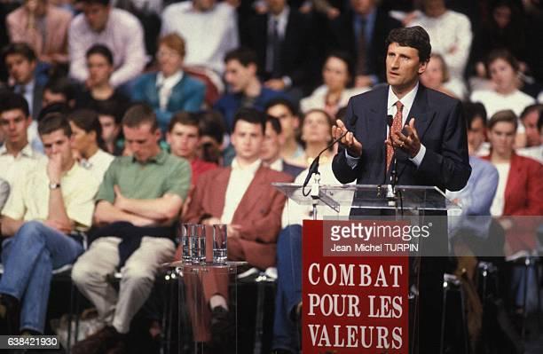 Création du mouvement 'Combat pour les valeurs' avec Philippe de Villiers le 18 mai 1992 à Paris France