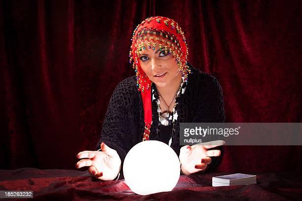 crazy fortune teller e Sfera di cristallo