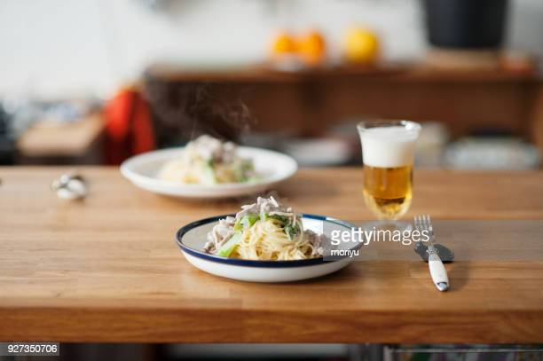 cream sauce spaghetti - bechamel sauce stock photos and pictures