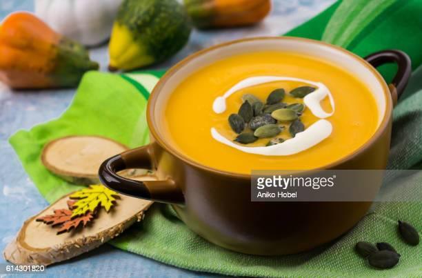 creamy pumpkin soup - aniko hobel stock pictures, royalty-free photos & images