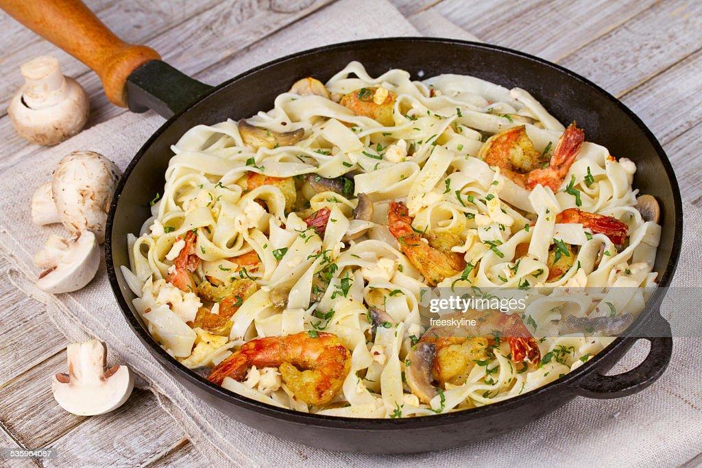 Creamy Shrimp and Mushroom Pasta : Stock Photo