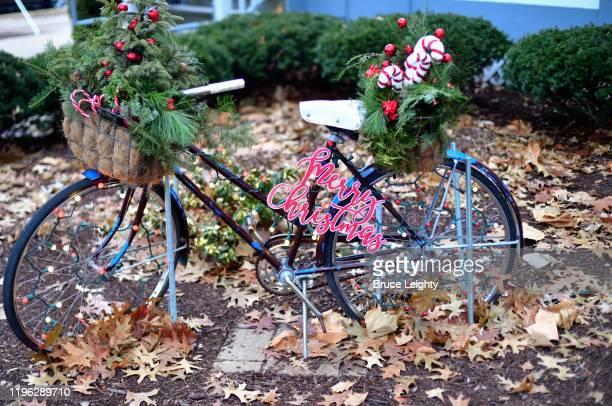 creative christmas decoration - geneva illinois stock pictures, royalty-free photos & images