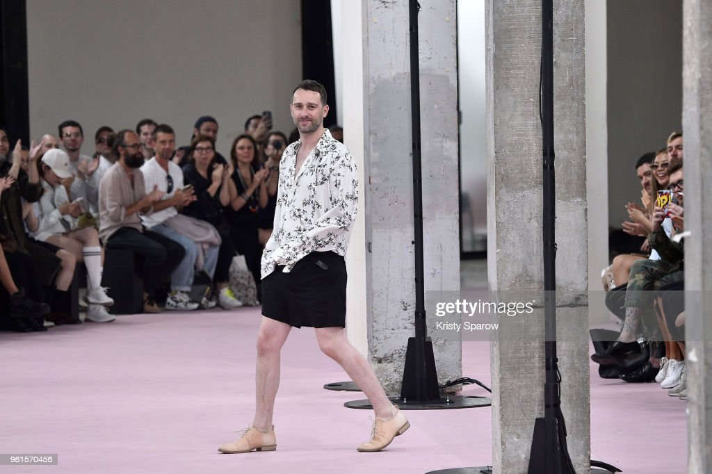 Ann Demeulemeester: Runway - Paris Fashion Week - Menswear Spring/Summer 2019 : Fotografía de noticias
