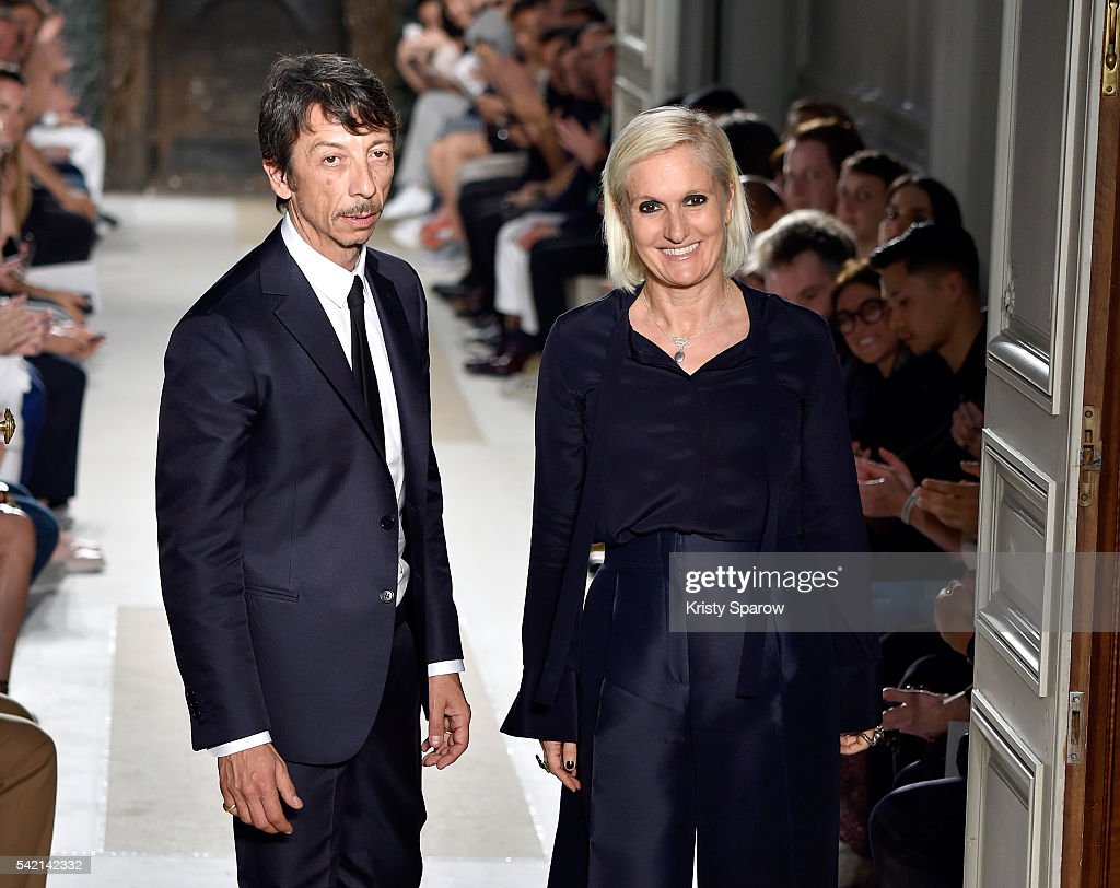 Valentino : Runway - Paris Fashion Week - Menswear Spring/Summer 2017