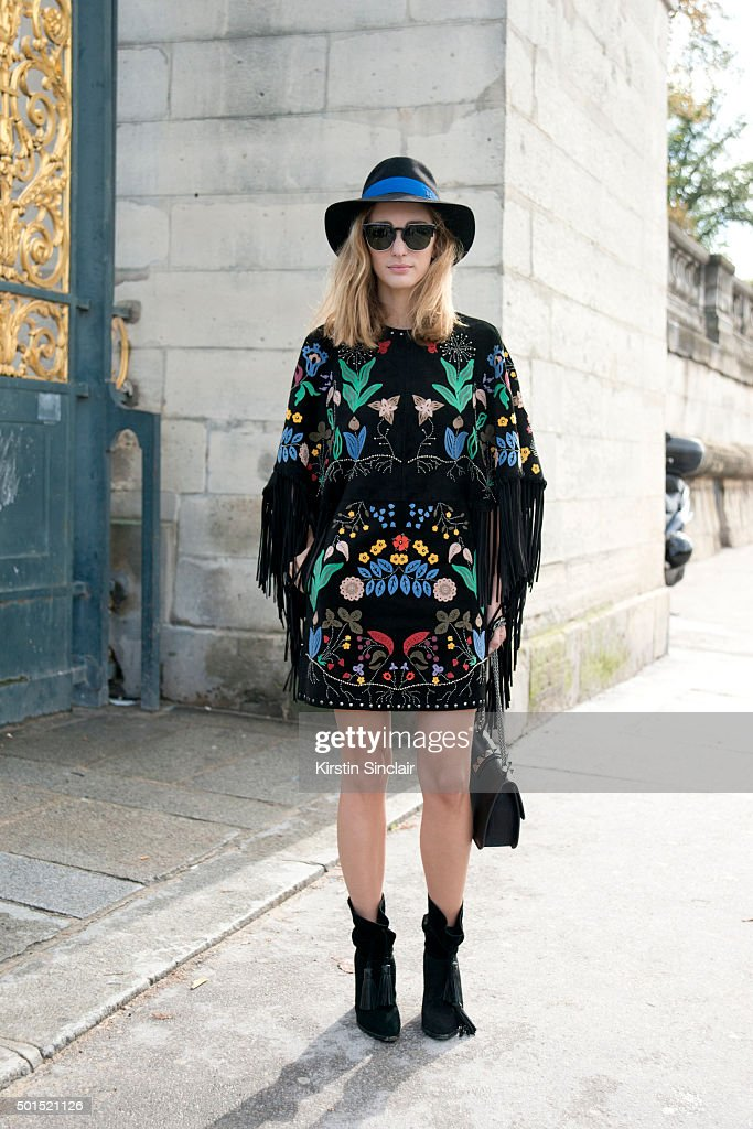 Street Style: Day 8 - PFW SS16 : News Photo