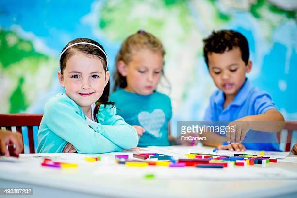 jogo criativo na escola primária - dia 1 - fotografias e filmes do acervo