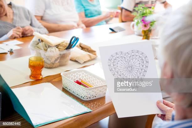 Kreativität-Tag In Tagesstätte für ältere Menschen