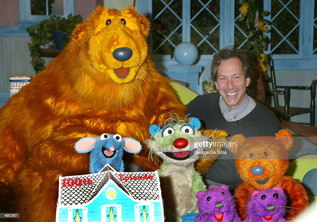 creator and excutive producer mitchell kriegman and the cast celebrate the 100th episode of disney channels - Big Blue House