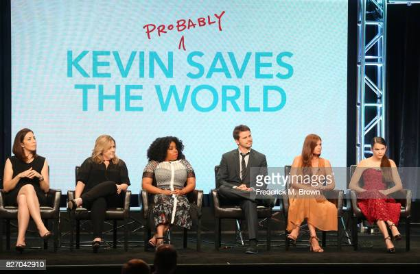 Creator/executive producers Michele Fazekas Tara Butters actors Kimberly Hebert Gregory Jason Ritter JoAnna Garcia Swisher and Chloe East of Kevin...