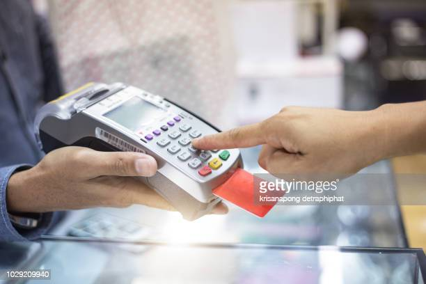 credit card payment,shopping,shopping online - credit card reader stock pictures, royalty-free photos & images