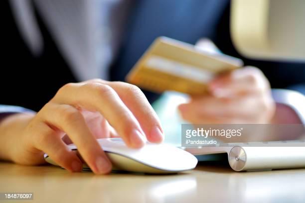 Carte de crédit en ligne shopping
