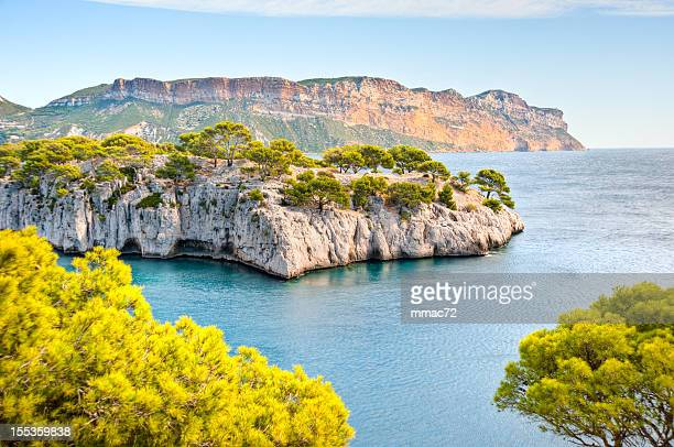 calanques - cassis stock pictures, royalty-free photos & images