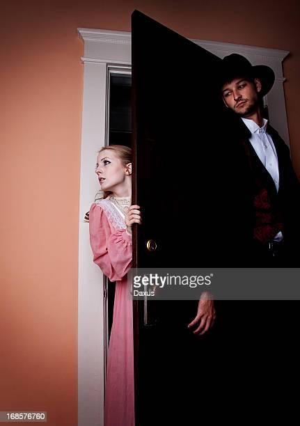 怖い intruder - 侵入窃盗 ストックフォトと画像