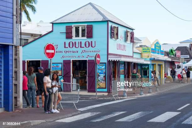 panadería criolla en saint-gilles-les-bains - isla reunion fotografías e imágenes de stock