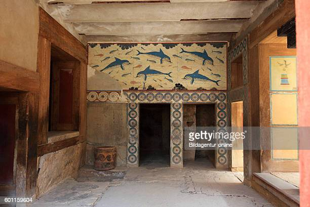 Crete Knossos palace complex of the Minoer dolphins mural paintings in the Megaron of the queen