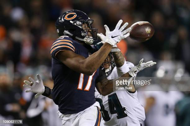 Cre'von LeBlanc of the Philadelphia Eagles defends against Anthony Miller of the Chicago Bears in the second quarter of the NFC Wild Card Playoff...