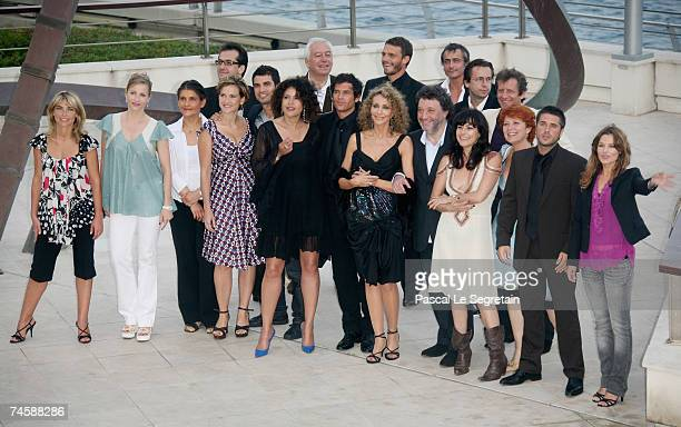 TF1 crew including the cast of 'Mystere' with actors Marisa Berenson Lio Arnaud Binard Toinette Laquiere and Babsie Steger pose for a photo on the...