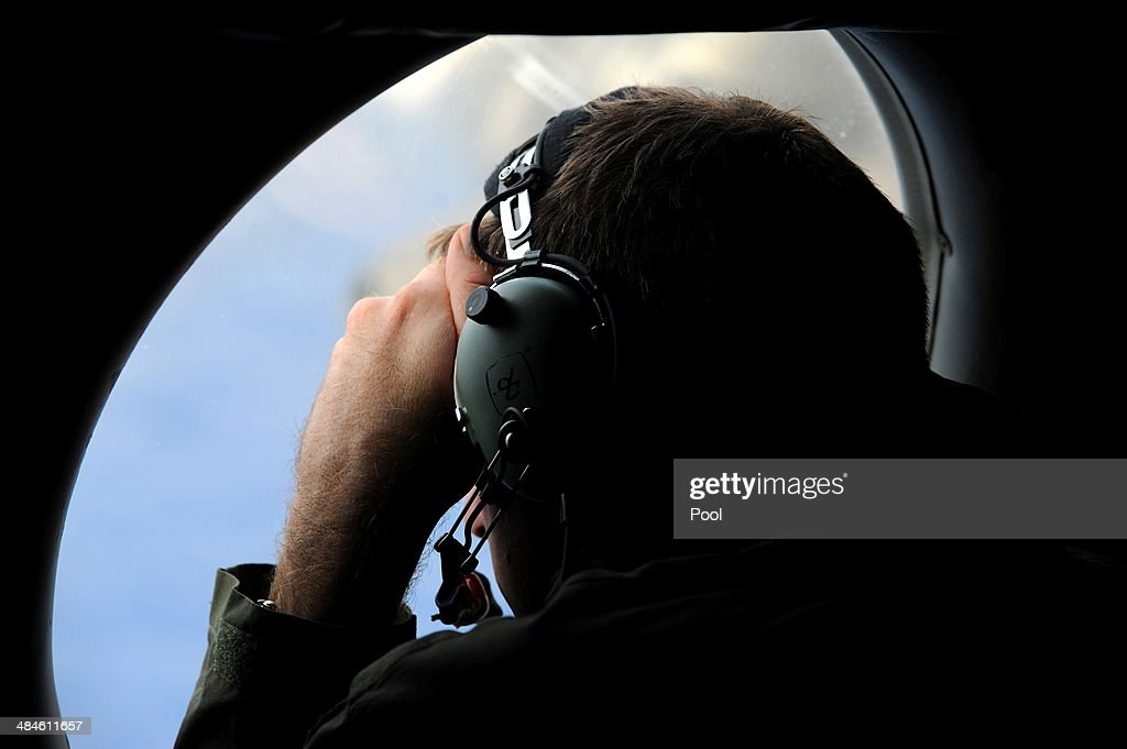 MH370 Search Area Narrows As More Signals Identified : News Photo