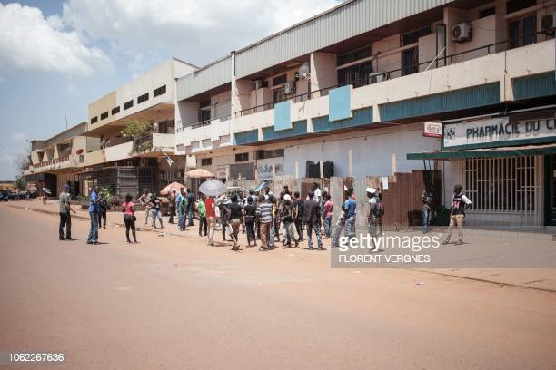 Crew members performs a demonstration scene in Bangui for the film Camille about photojournalist Camille Lepage on October 21 2018 Directed by Boris...