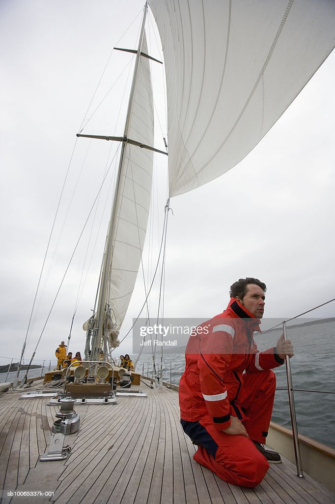 Crew on racing yacht : Foto stock