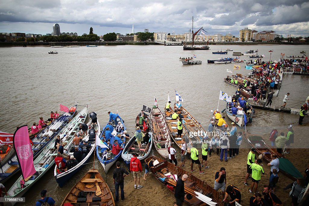 Crews prepare their boats for the annual 'Great River Race', a 22