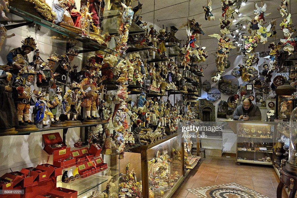 Crib figurines, shop in Via San Gregorio Armeno : News Photo