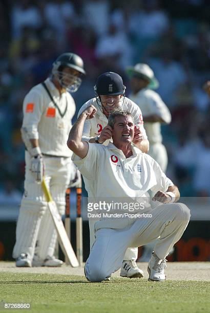 Cricket England tour of Australia 5th test Australia v England Sydney 4TH day JUSTIN LANGER IS OUT LBW TO ANDREW CADDICK RICHARD DAWSON CELEBRATES...
